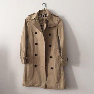 BURBERRY NWT Trench Coat Women's XS 00 Brand New!!